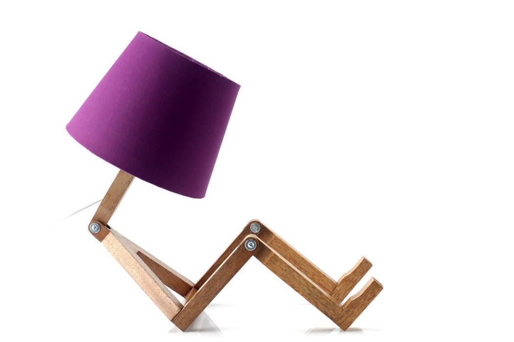 Cromalux Sistemas de Iluminação Ltda RecámarasIluminación Madera Morado/Violeta