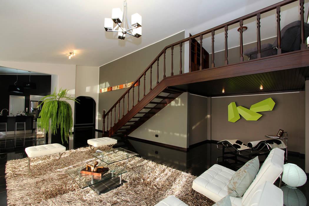 PH 525: Salas / recibidores de estilo  por Arq Renny Molina
