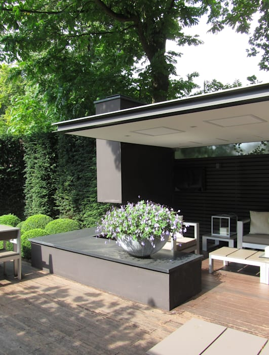 Modern balcony, veranda & terrace by Arend Groenewegen Architect BNA Modern