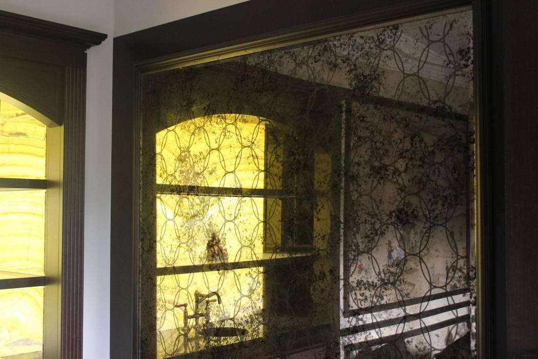 classic Living room by Alguacil & Perkoff Ltd.