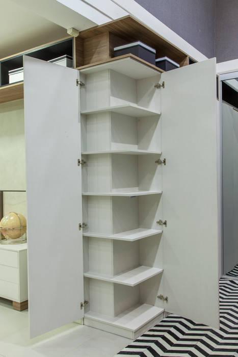 Interior Armário: Cozinha  por Studio²