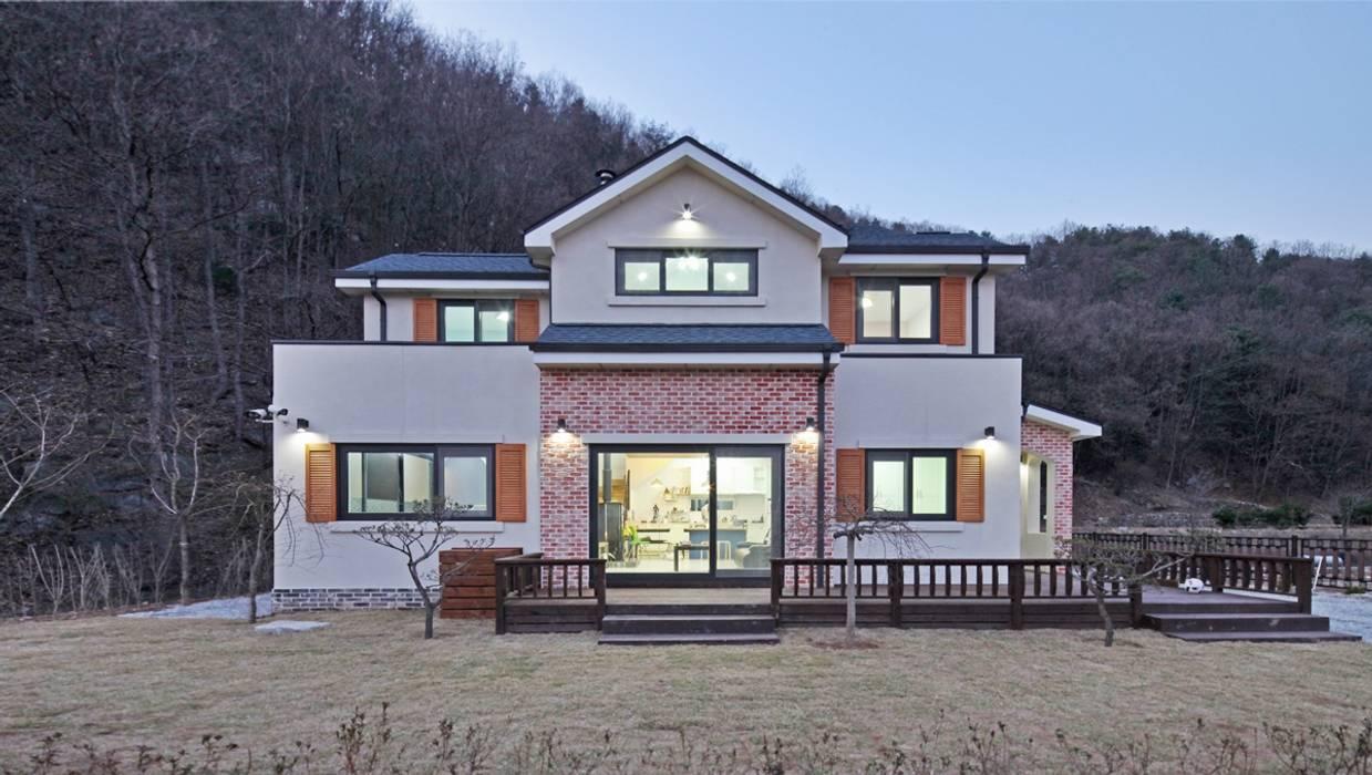 Rumah Gaya Country Oleh 윤성하우징 Country