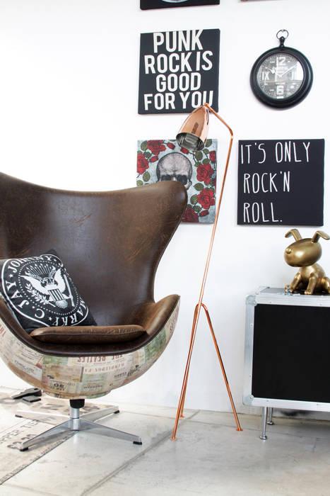 Cromalux Sistemas de Iluminação Ltda Living roomLighting Iron/Steel Metallic/Silver