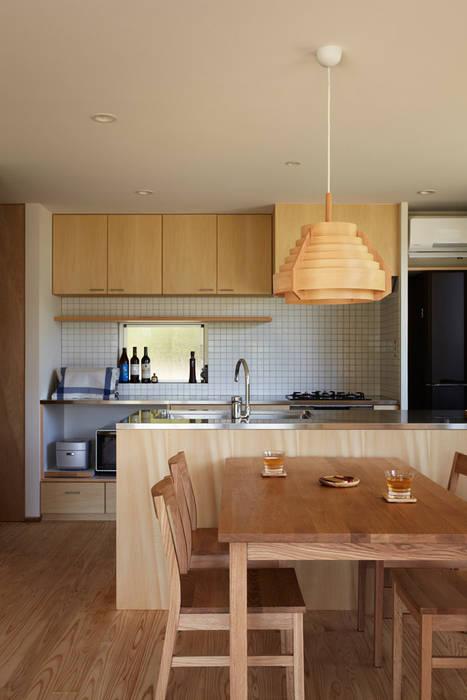 現代廚房設計點子、靈感&圖片 根據 toki Architect design office 現代風 木頭 Wood effect