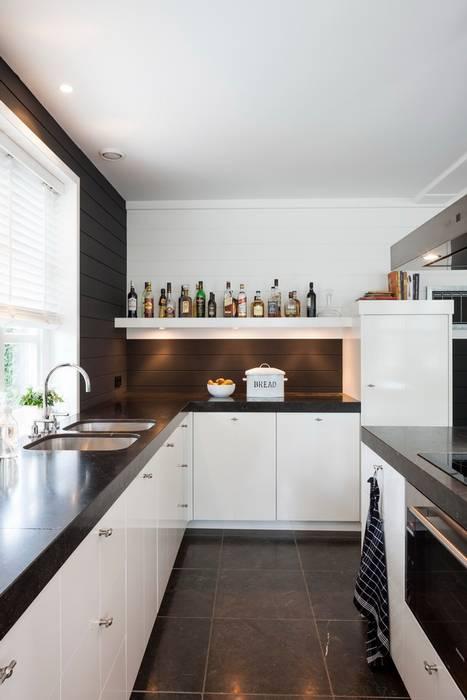 Landhaus Küchen von Brand I BBA Architecten Landhaus