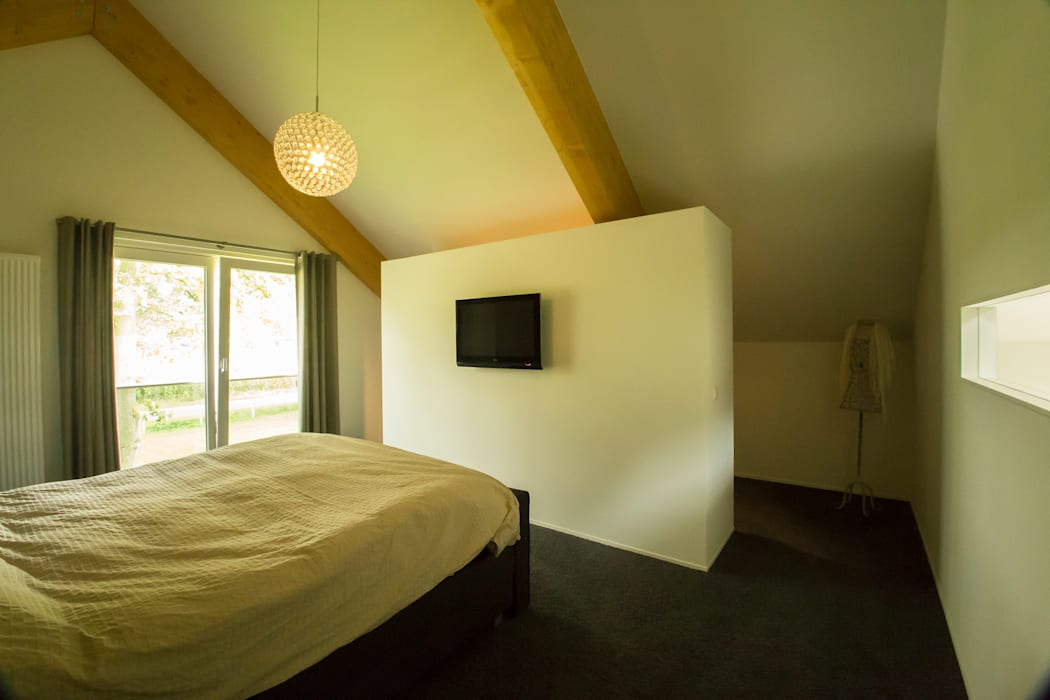Rustic style bedroom by Hoogsteder Architecten Rustic Wood Wood effect