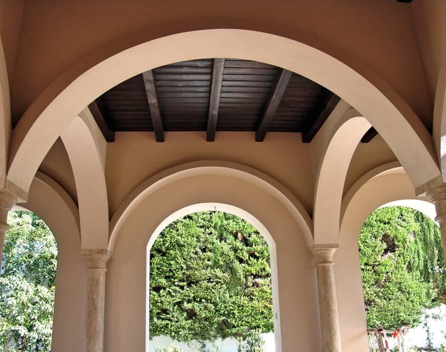 Interior landscaping by conely homify Duelas de madera