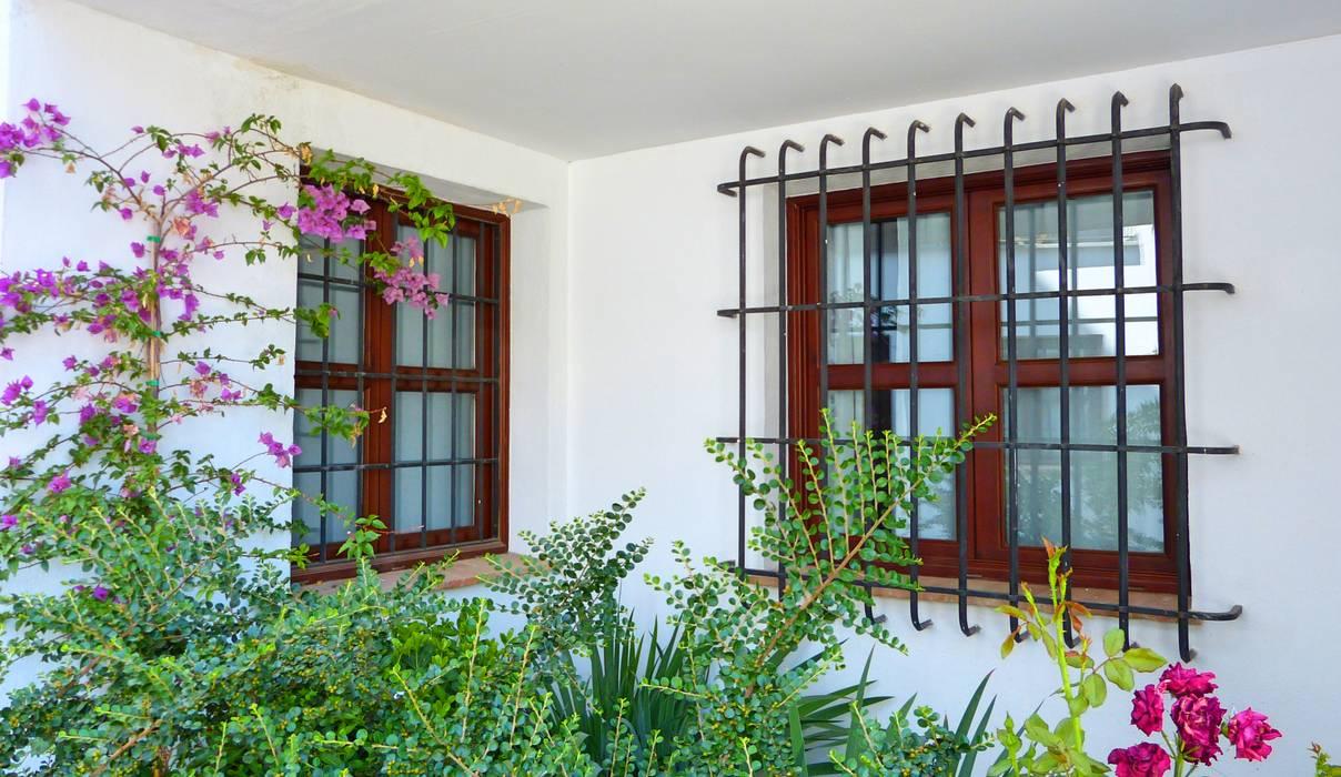 Windows & doors  theo homify,