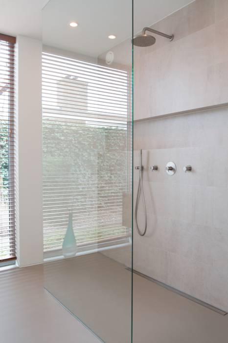 Bathroom by Architect2GO