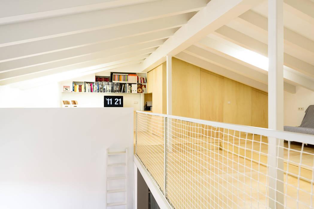 Oficinas de estilo  por Aina Deyà _ architecture & design, Escandinavo Madera Acabado en madera