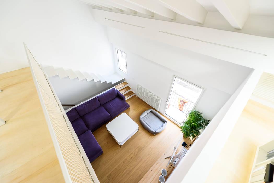 ห้องนั่งเล่น โดย Aina Deyà _ architecture & design, สแกนดิเนเวียน ไม้ Wood effect
