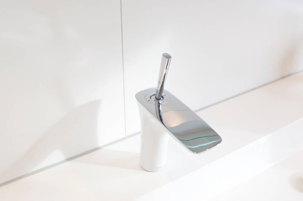 โดย AGZ badkamers en sanitair