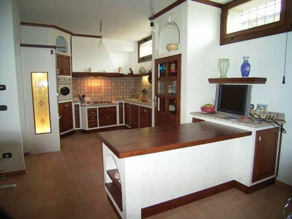 Cucina in muratura e legno per taverna di cordel s.r.l. ...