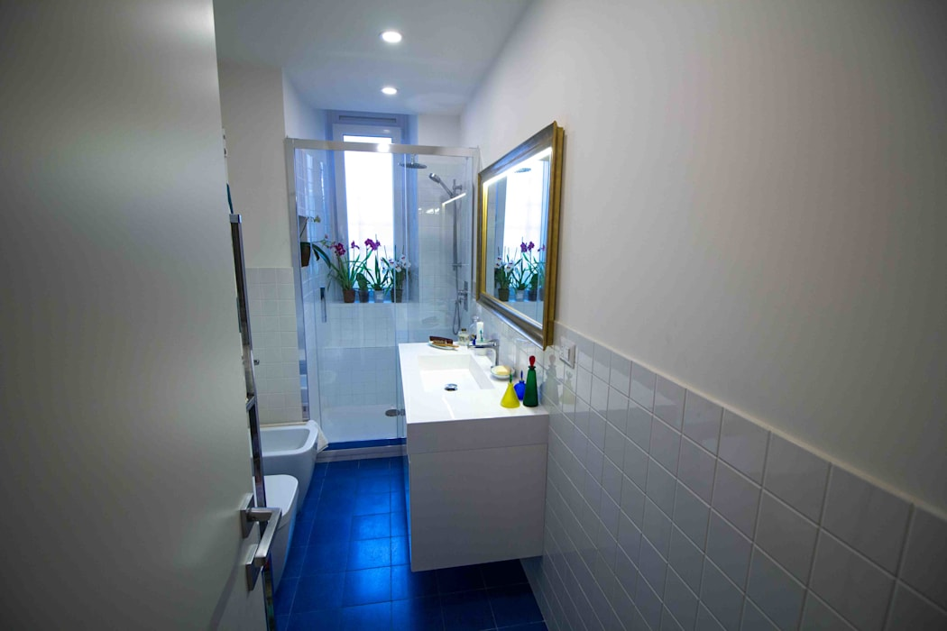 Industrial style bathroom by MamBaOffice Industrial Granite