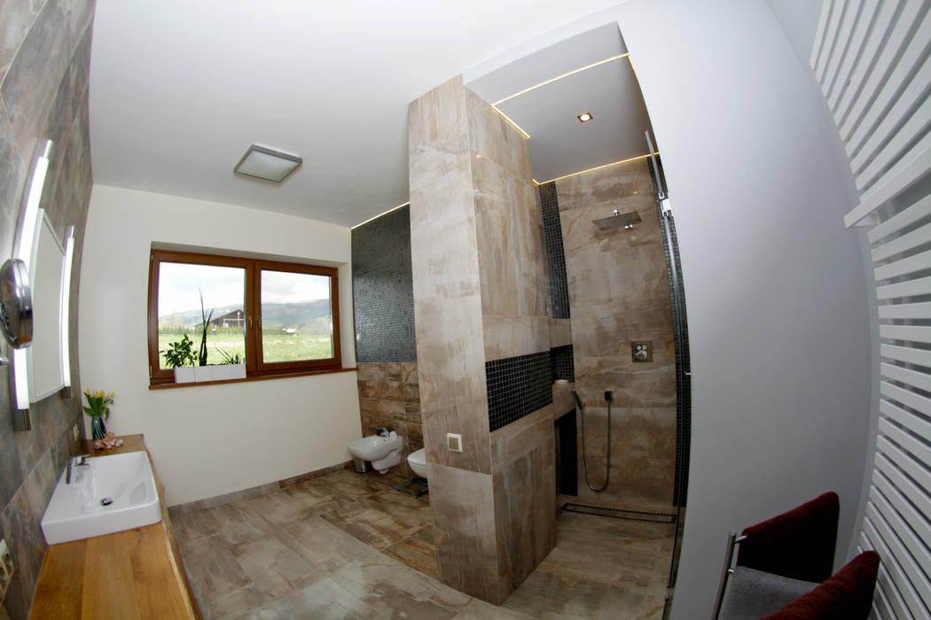 Łazienka z widokiem na góry: styl , w kategorii Łazienka zaprojektowany przez in2home