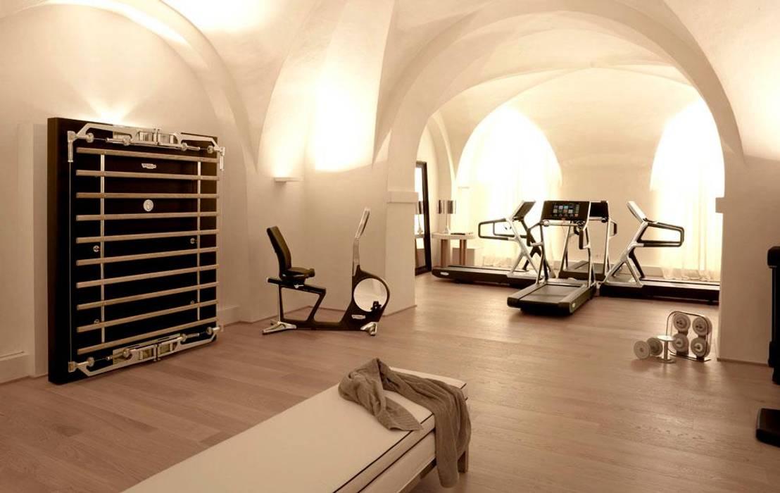salle de sport domicile salle de sport de style par. Black Bedroom Furniture Sets. Home Design Ideas