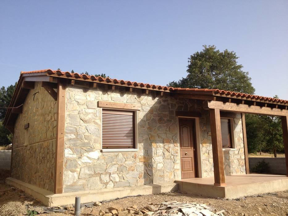 Casa Modular Rústica en Salamanca: Casas de estilo  de MODULAR HOME,