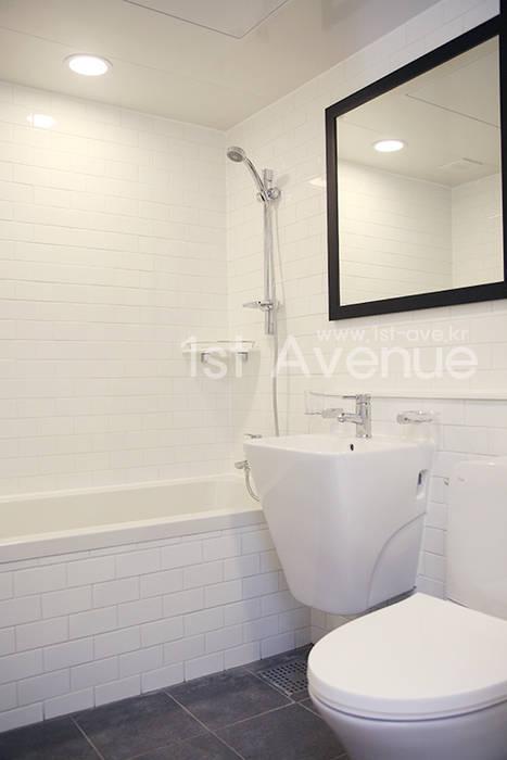 퍼스트애비뉴 Minimalist bathroom