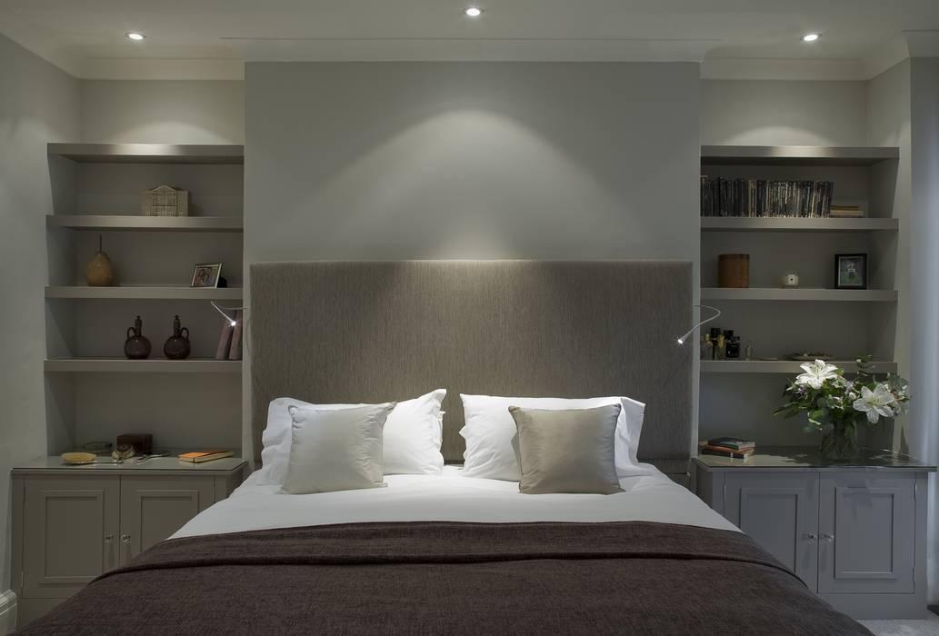 Camera da letto in stile  di Arq-A Interiors Limited