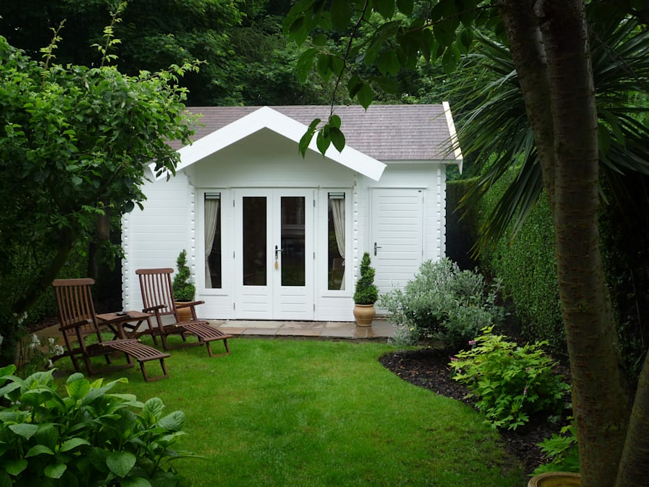 Log Cabin Colonial style garden by Garden Affairs Ltd Colonial Wood Wood effect