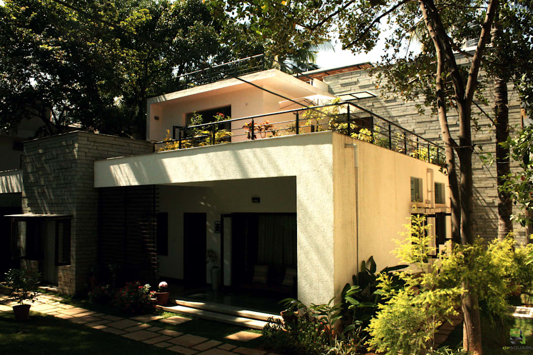 Modern Houses by de square Modern