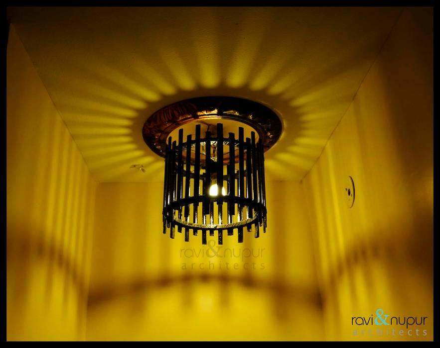 Decore Light by RAVI - NUPUR ARCHITECTS Rustic