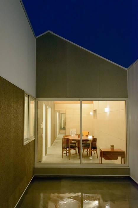 Modern houses by 風景のある家.LLC Modern Iron/Steel
