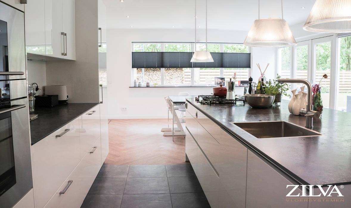 Moderne Visgraat Vloer : Keuken betontegels en pvc visgraat vloer moderne keuken door
