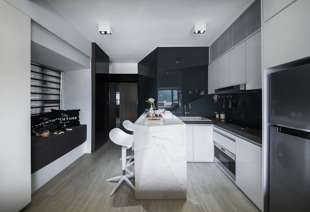 Black-and-white stuido flat in Hong Kong Zip Interiors Ltd