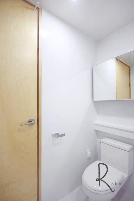 Minimalistische Badezimmer von 로하디자인 Minimalistisch