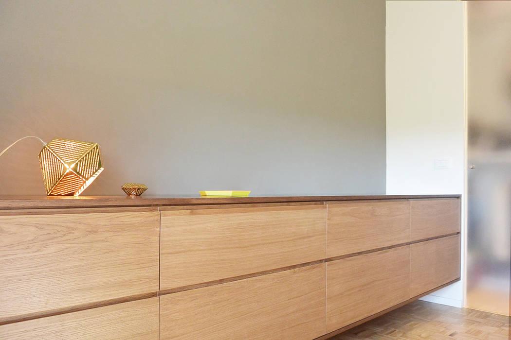 appartamento F : Camera da letto in stile in stile Minimalista di studiovert
