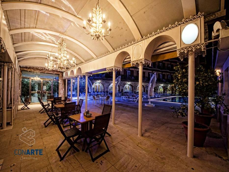 Proyecto de exteriores en hotel los angeles granada piscinas de estilo de conarte cocinas - Hotel los angeles granada ...