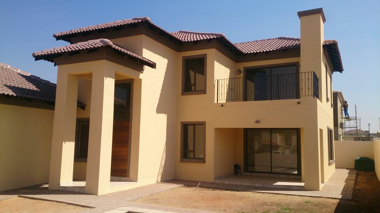 Breakfree Estate House Mediterranean style house by Blue Designs Architectural Designers Mediterranean Bricks
