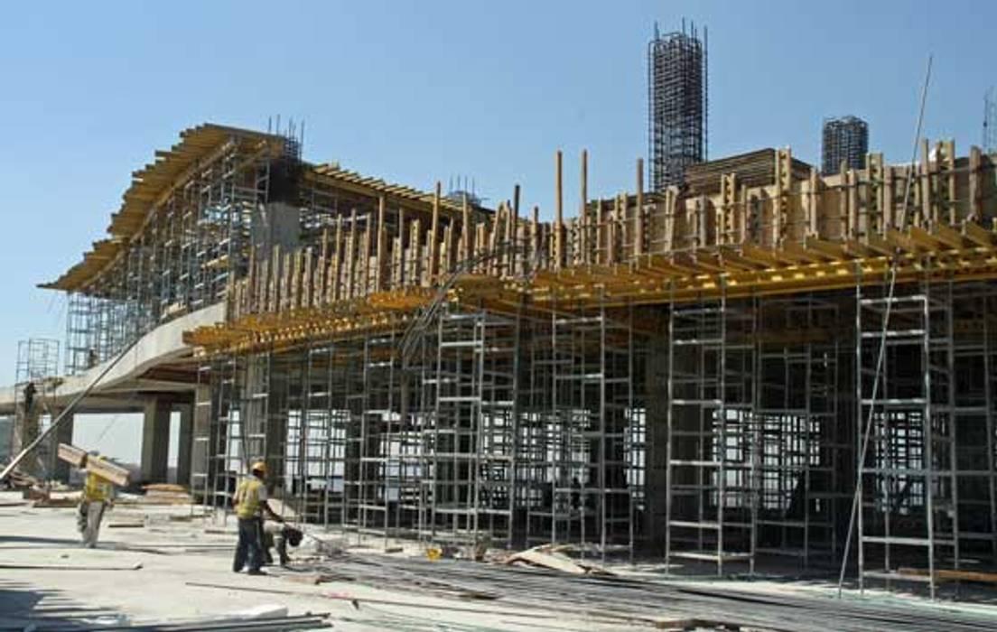 Montaje estructural: Paredes de estilo  por INVERSIONES NACSE S.A.S.