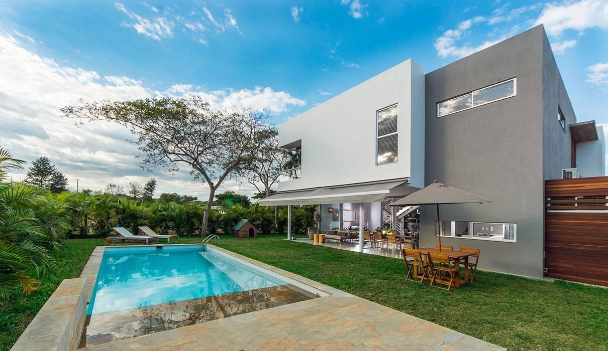 Vista 3D: Casas de estilo  por INVERSIONES NACSE S.A.S.