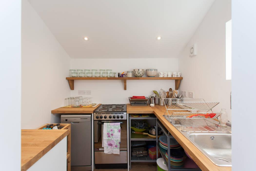 Cocinas de estilo  por Hampshire Design Consultancy Ltd.,