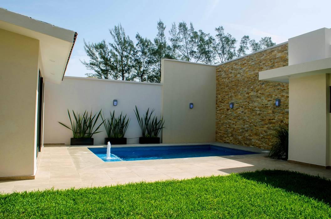 Jardin y alberca Jardines de estilo moderno de ARKOT arquitectura + construcción Moderno