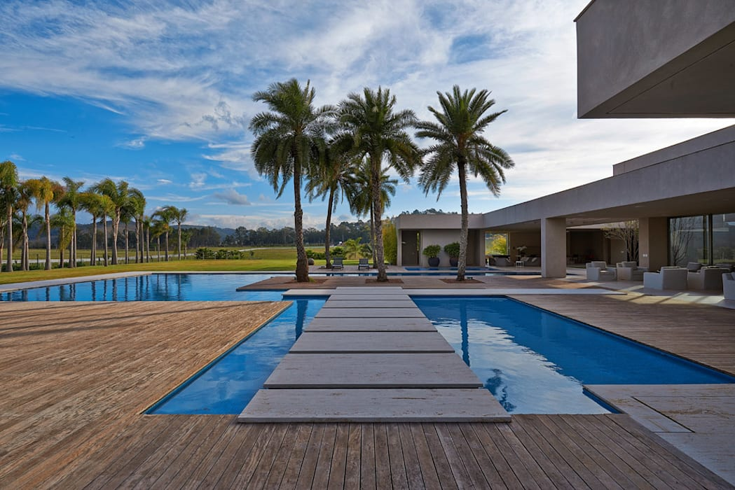 Duda Alta by Lanza Arquitetos Modern