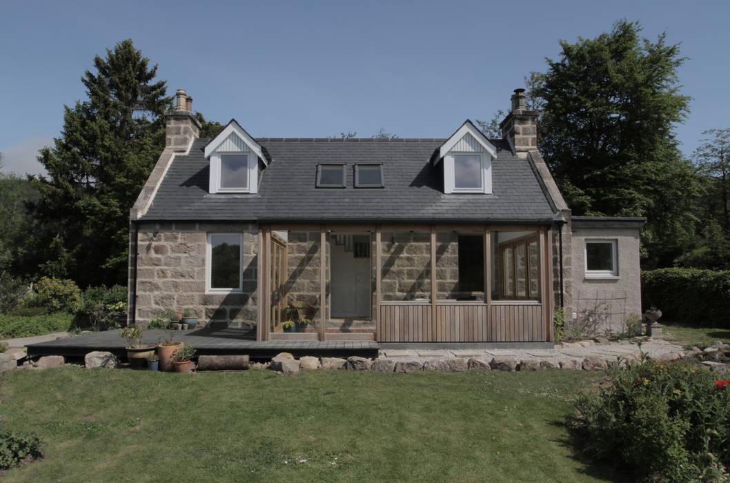 Front Elevation Casas estilo moderno: ideas, arquitectura e imágenes de ABN7 Architects Moderno