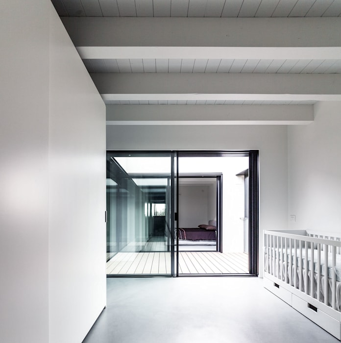 Casa MCR: Camera da letto in stile in stile Moderno di CN10 ARCHITETTI