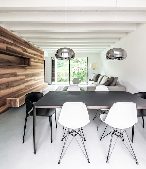 Casa MCR: Sala da pranzo in stile in stile Moderno di CN10 ARCHITETTI