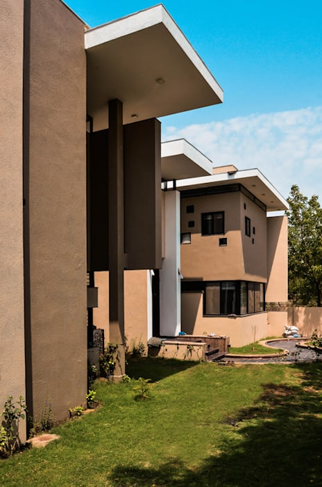 Residence For Mr. Soni: modern Houses by Maulik Vyas Architects