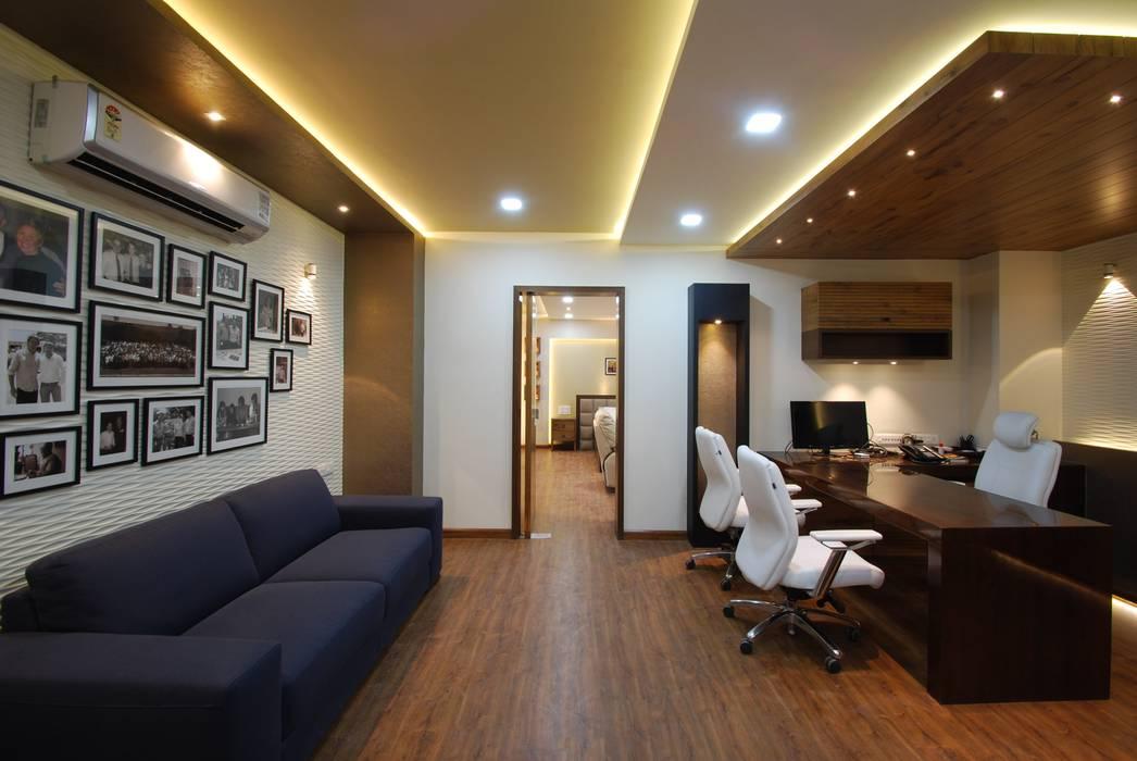 CPC office:  Study/office by Maulik Vyas Architects
