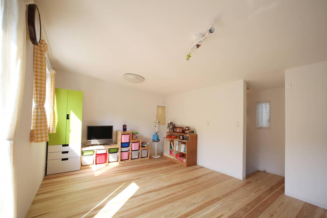 子供部屋 モダンデザインの 子供部屋 の atelier m モダン