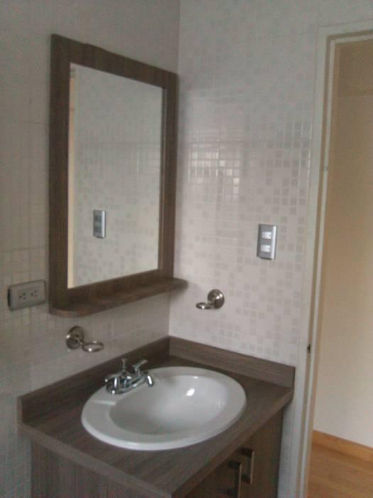 Muebles de Baños en laminado Grainwood Baños de estilo clásico de Artesanía Ceramica y Madera Clásico Aglomerado
