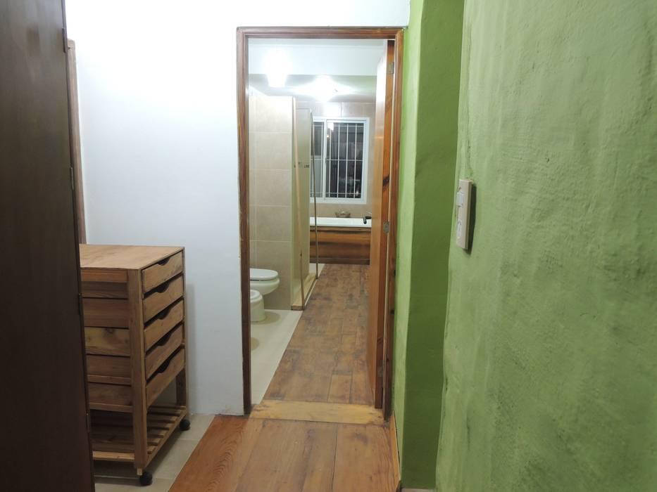 vestidor Baños modernos de CRISTINA FORNO Moderno Madera Acabado en madera