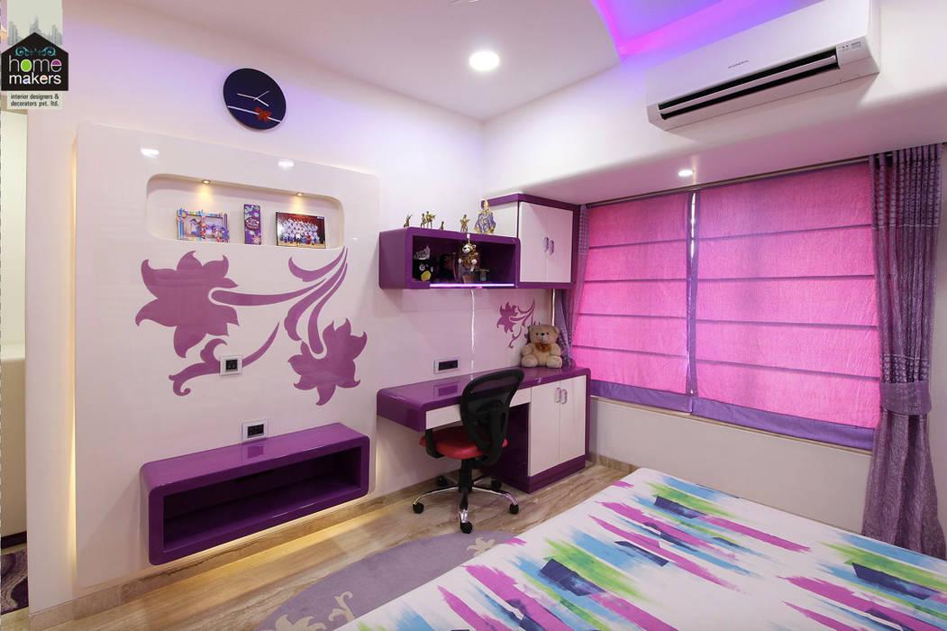 Daughter's Bedroom: modern Bedroom by home makers interior designers & decorators pvt. ltd.