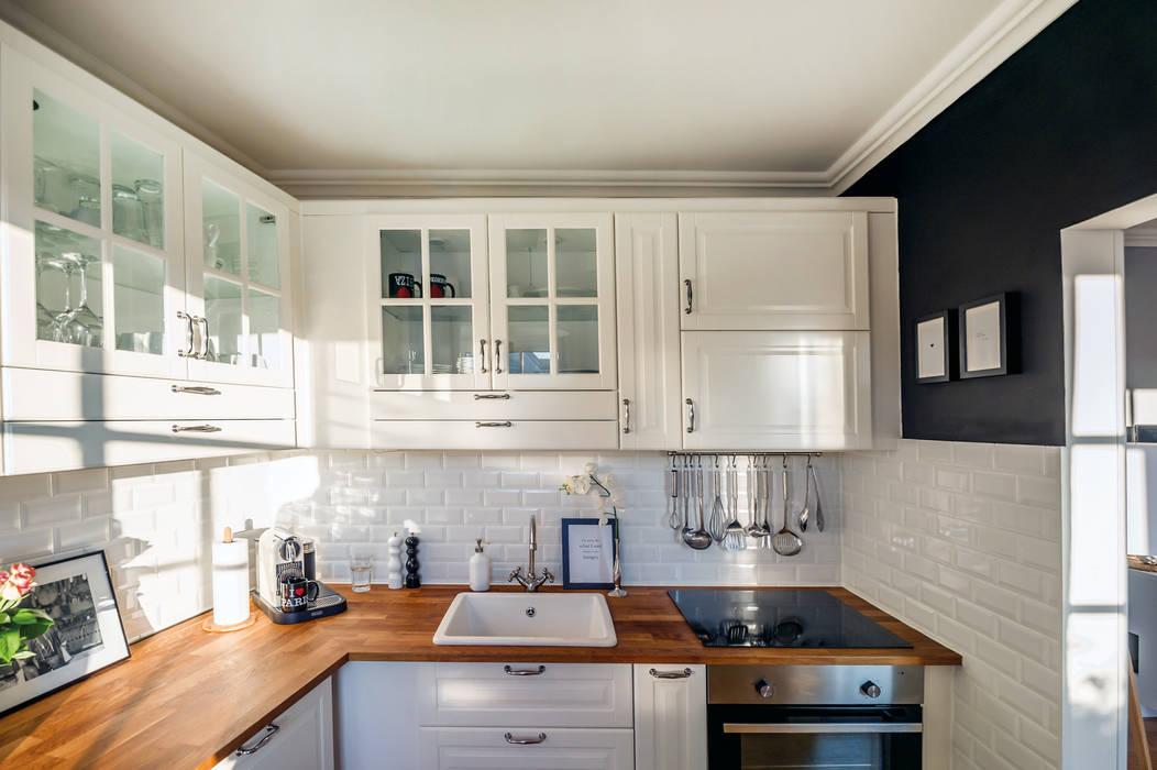 Küche:  Küche von WOHNGLUECK GmbH (Immobilien),Landhaus