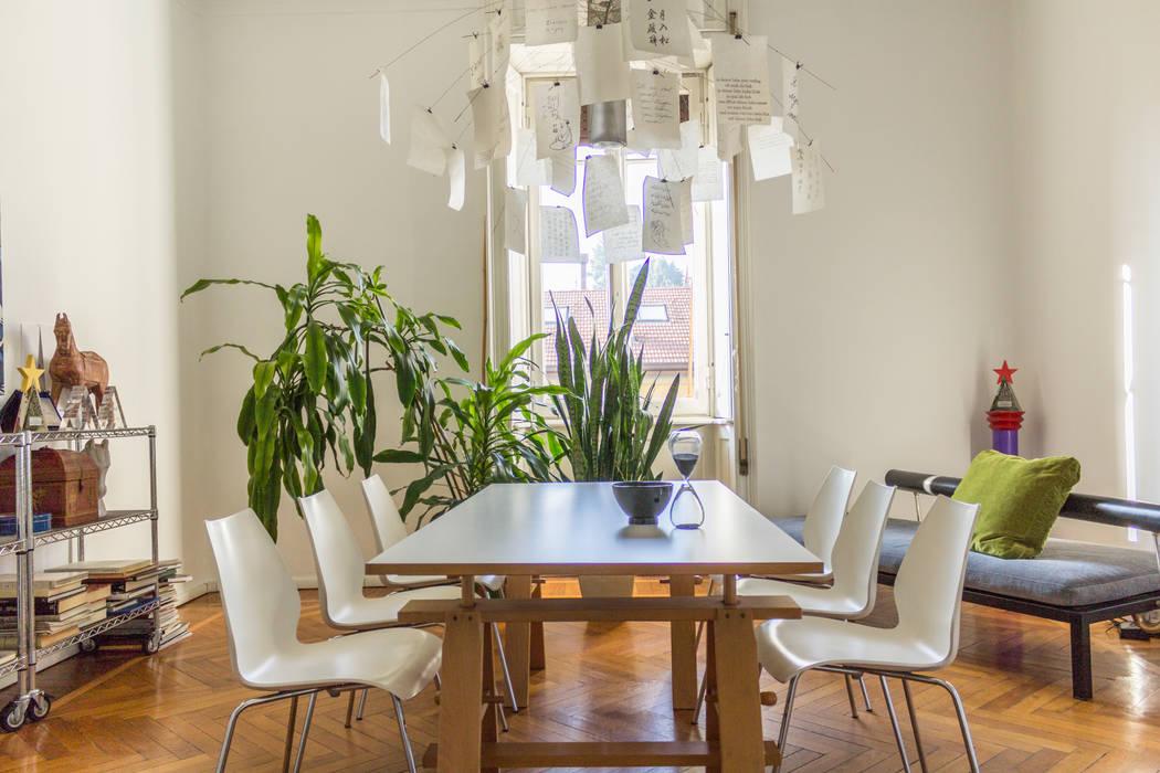 Boite Maison: esempi di home staging, home relooking e fotografia immobiliare. : Studio in stile in stile Eclettico di Boite Maison
