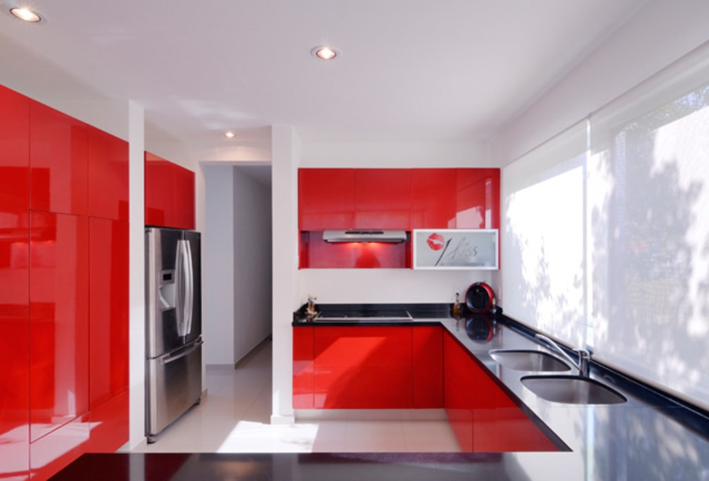 LA COCINA Excelencia en Diseño Cocinas modernas Derivados de madera Blanco